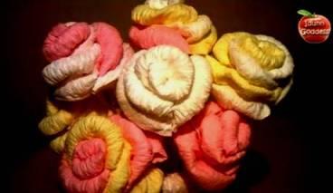 как сделать розу из салфетки. видео