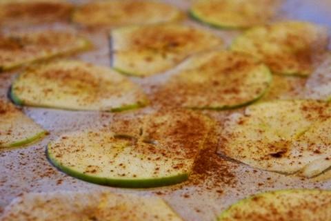 Домашние яблочные чипсы