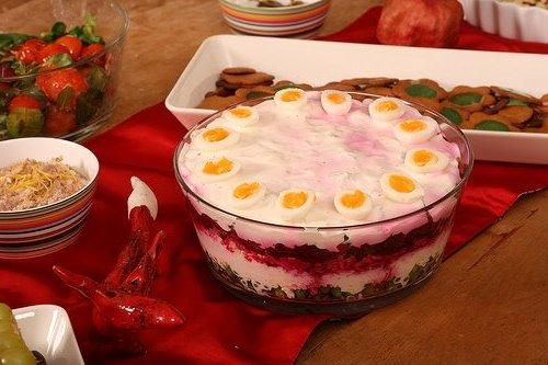 """Салат """"Семь слоев"""" в эстонском стиле - красиво, вкусно, просто"""