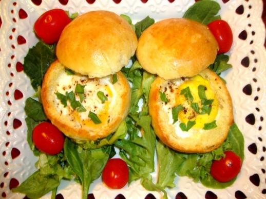 Булочки запеченные с яйцом и разными начинками - быстрая вкуснятина