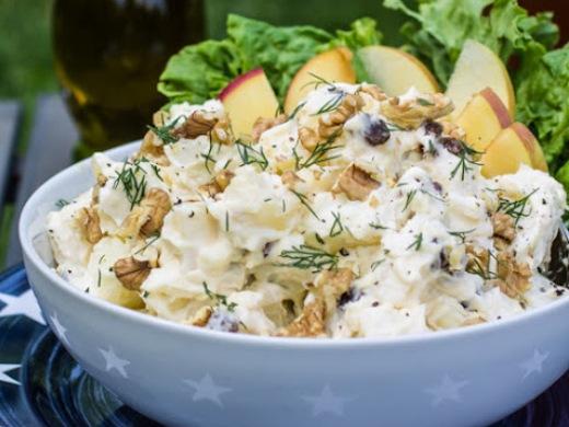 Салат «Оригинальный» с копченой курицей, яблоком и ананасом