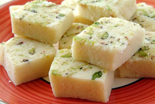 Домашние конфеты Бурфи - восхитительная индийская сладость своими руками