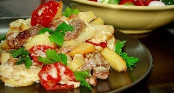 """Картофель с мясом """"По-французски"""" на сковороде"""