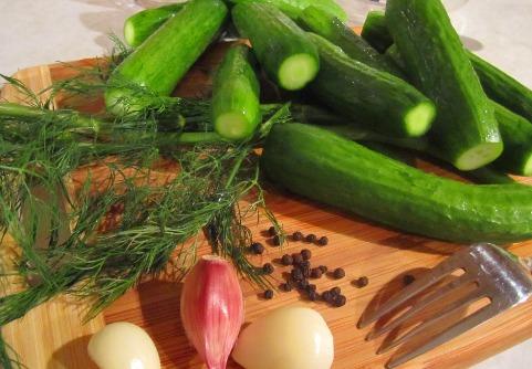 Огурчики малосольные - самый быстрый и простой рецепт