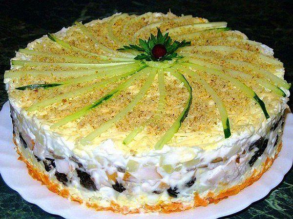 Закусочный торт-салат